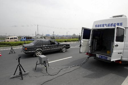 尽管汽车年检可以让部分排放不达标的车辆现出原形,然而也有车辆在