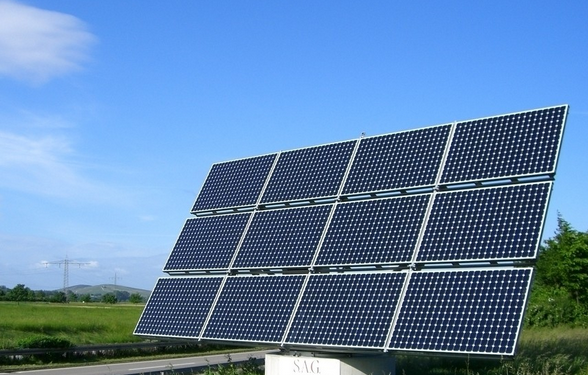 压缩空气露点变化影响太阳能光伏面板质量