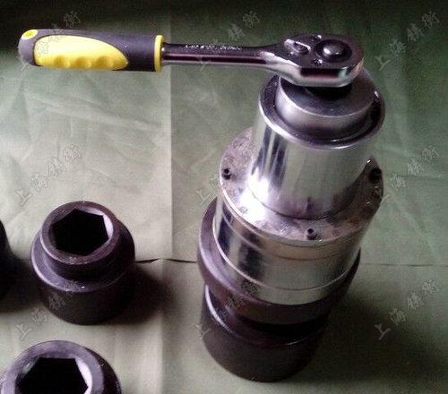 装拆螺栓用增力扳手